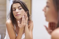 花粉症が肌の乾燥を引き起こす?花粉による肌荒れ対策