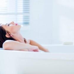 バスタイムを利用して毛穴から美肌に!お風呂でできるスキンケア方法
